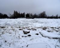 Zatory lodowe na Sanie i Osławie spiętrzają wodę. Zobacz ujęcie w Zasławiu (FILM, ZDJĘCIA)