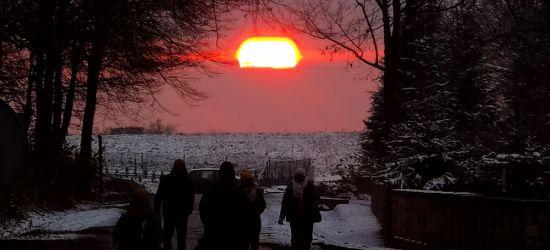 Piękny zachód Słońca! (ZDJĘCIE)