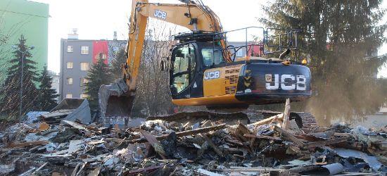 """""""Sanoczanka"""" przeszła do historii. Drugi z budynków wyburzony (VIDEO, ZDJĘCIA)"""