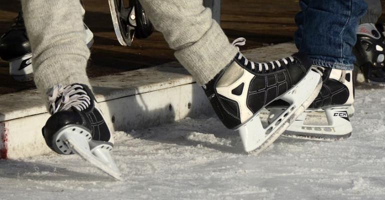 Ślizgawki na torze lodowym. Sprawdź terminy