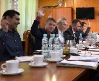 ZARSZYN24.PL: Kosmetyczne zmiany w regulaminach. Sesja nadzwyczajna w Zarszynie (ZDJĘCIA)