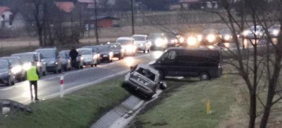 POMOC112: Ślisko na drodze. Auta w rowie! (VIDEO, FOTO)