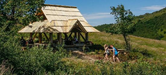 Pogoda jak w lipcu… W górach ratunkiem drewniane deszczochrony