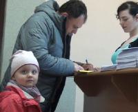 """SANOK: Pierwsze sanockie rodziny otrzymały już pieniądze w ramach """"500+"""". Rekordziści nawet 2500 zł (FILM)"""