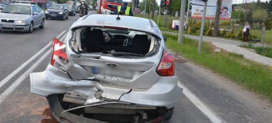 Nieuważny kierowca. Dwie osoby w szpitalu (ZDJĘCIA)