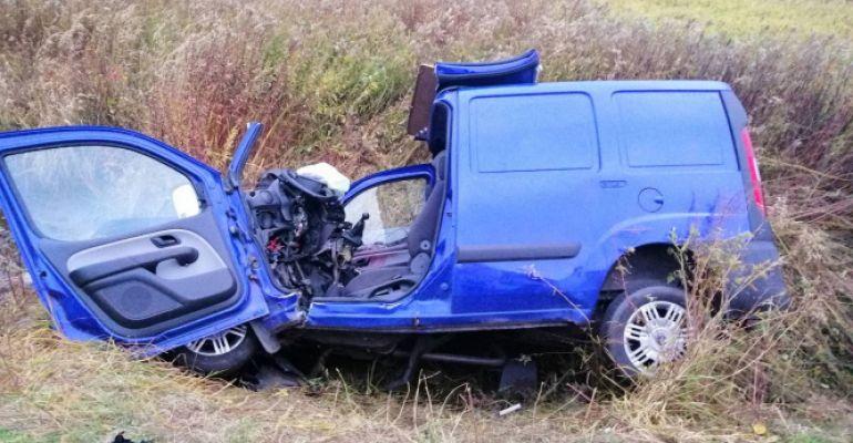 PODKARPACIE. Pijany 32-latek kierował samochodem. 14-letni pasażer z poważnymi obrażeniami (FOTO)