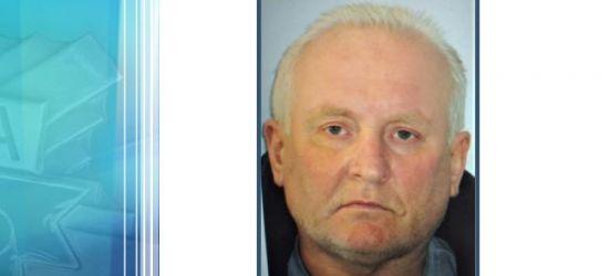 52-latek podejrzany o potrójne morderstwo poszukiwany listem gończym