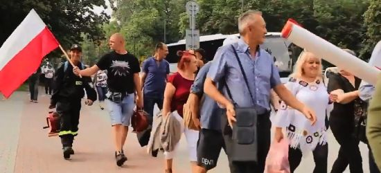 """Przedstawiciele rządu wyszli do protestujących. """"Czy głos mieszkańców jest coś wart""""? (VIDEO)"""