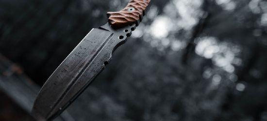 Atak nożem. Zarzuty usiłowania zabójstwa dla 19-latka