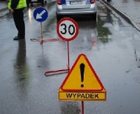 PAKOSZÓWKA: Wypadek. Ciężarna z fiata punto trafiła do szpitala