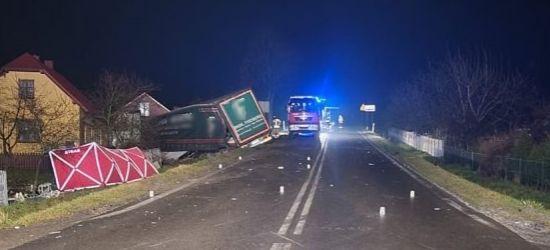 Tragedia na drodze. Zginęło dwóch młodych mężczyzn. Śmiertelne potrącenie