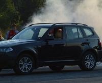 BRZOZOW24.PL: Zderzenie renault z BMW. Dym z bagażnika