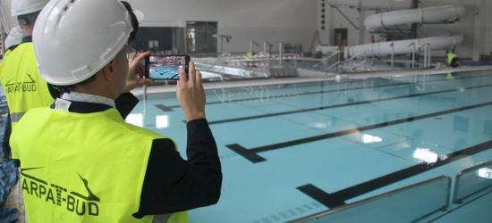SANOK: Ruchome dno basenu uruchomione po raz pierwszy. ZOBACZ VIDEO