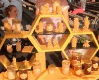W krainie miodem płynącej. Święto pszczelarzy w sanockim Skansenie (FILM)