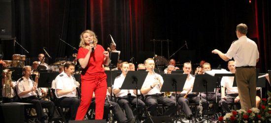 SANOK: Koncert z okazji Święta Terenowych Organów Administracji Wojskowej. Na scenie Zespół Artystyczny Wojska Polskiego (FOTO)