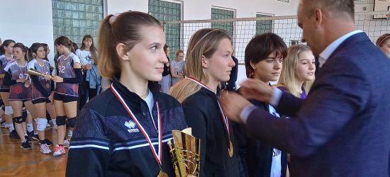 Sanoczanka wygrywa turniej w Dębowcu. MVP dla Emilii Kubiak (ZDJĘCIA)