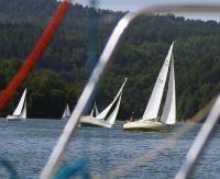 Żeglarskie zmagania na Jeziorze Solińskim
