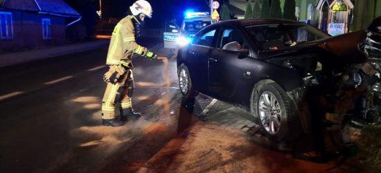 ZAGÓRZ: Uderzył w słup. Rozbite auto porzucił