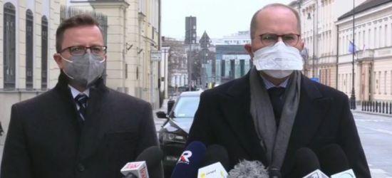 Posłowie KO o szczepieniach w Rzeszowie: Paliwo wyborcze dla PiS (VIDEO)