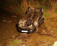 Dachowanie w Michnowcu. Młody kierowca nie opanował pojazdu na śliskiej jezdni