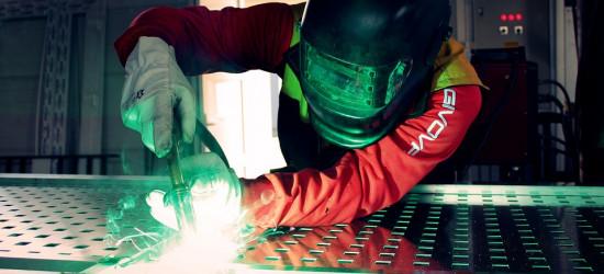 Trwałe łączenie metali – postaw na sprawdzone technologie spawalnicze
