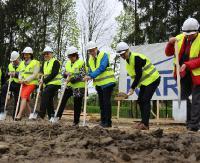 SANOK: Pierwsze łopaty wbite! Rozpoczęła się budowa sanockich basenów (FILM, ZDJĘCIA)