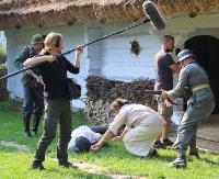 Ekipa filmowa gości w Skansenie. Przemoc, gwałty, strzelanina (FILM, ZDJĘCIA)