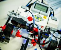 """Walki robotów czy zabawy z drukarką 3D. Ferie z techniką w sanockim """"Mechaniku"""""""