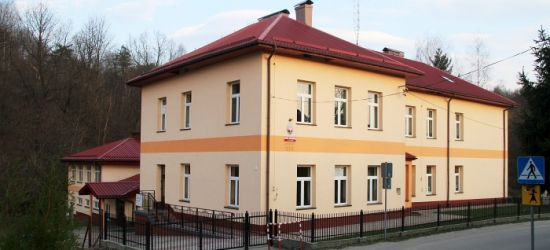 Udało się! Szkoła w Zahutyniu będzie miała nowy sztandar. Sukces zbiórki (FOTO)