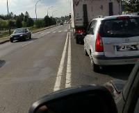 Zderzenie osobówki z dostawczym na skrzyżowaniu Krakowskiej i Lisowskiego