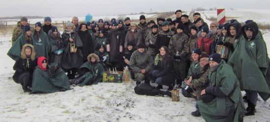 Betlejemskie Światło Pokoju na polsko-ukraińskiej granicy (FOTO)