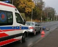 POWIAT LESKI: Potrącony rowerzysta. Mężczyzna trafił do szpitala