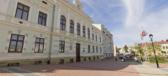 Audyt w MOSiRze i program dla rodzin wielodzietnych podczas VII sesji Rady Miasta