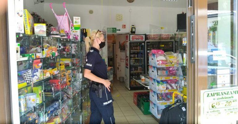 Kontrole w sklepach. Sprawdzają czy klienci noszą maseczki