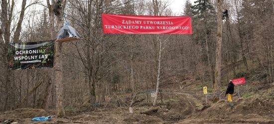 Ekolodzy żądają utworzenia Turnickiego Parku Narodowego. Blokada przy drodze do Arłamowa (ZDJĘCIA)