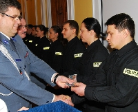 38 nowych policjantów złożyło uroczyste ślubowanie (FILM, ZDJĘCIA)