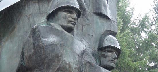 SANOK: Pomnik Wdzięczności zniknie z Placu Harcerskiego (ZDJĘCIA)