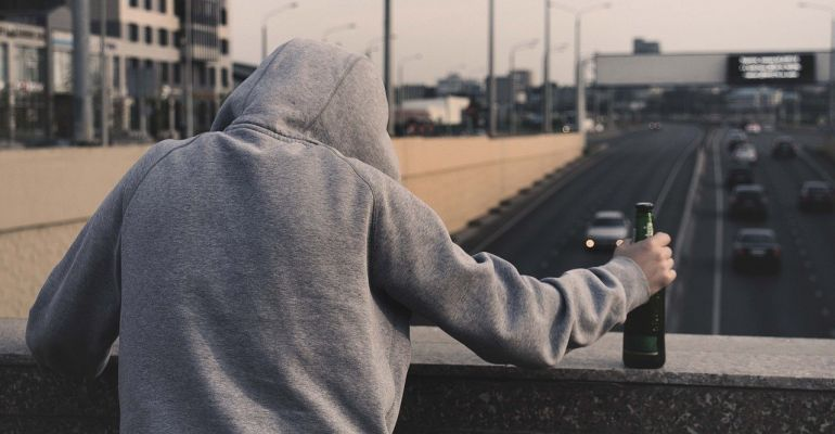 REGION: Kontrola, narkotyki, znieważenie policjanta. Zatrzymani młodzi ludzie