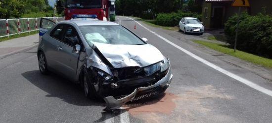BLIZNE. 78-letni kierowca nie ustąpił pierwszeństwa. Pasażerka trafiła do szpitala (ZDJĘCIA)