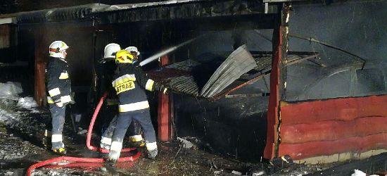 Pożar garażów w Bykowcach! Samochód spłonął doszczętnie (VIDEO, ZDJĘCIA)
