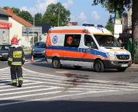 Motocyklista stracił panowanie nad pojazdem i wywrócił się na skrzyżowaniu Lipińskiego z Beksińskiego. Zakończyło się na strachu (FILM, ZDJĘCIA)
