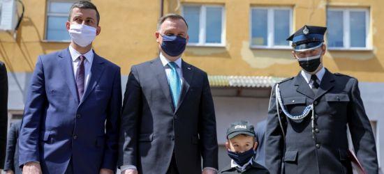 PREZYDENT W BUKOWSKU. Przekazano promesę na zakup samochodów ratowniczo-gaśniczych