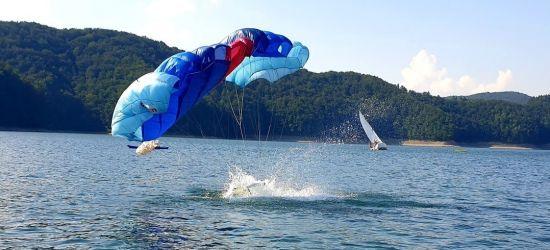 Pijany sternik i spadochroniarze w wodzie. Akcja na Jeziorze Solińskim! (ZDJĘCIA)