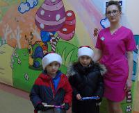 """Przedszkolaki z """"dwójki"""" na rzecz najmłodszych pacjentów sanockiego szpitala"""