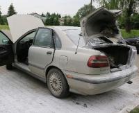 SANOK: Eksplozja w samochodzie osobowym. Kierowca z oparzeniami I i II stopnia trafił do szpitala (ZDJĘCIA)