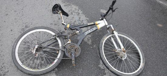 Rowerzysta zderzył się z dostawczym citroenem. Cyklista ma poważne obrażenia (FOTO)