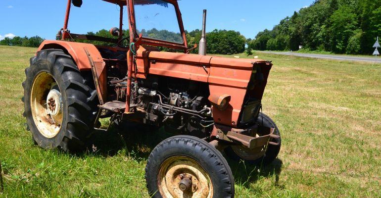 POWIAT SANOCKI: Pijany traktorzysta i policyjny pościg