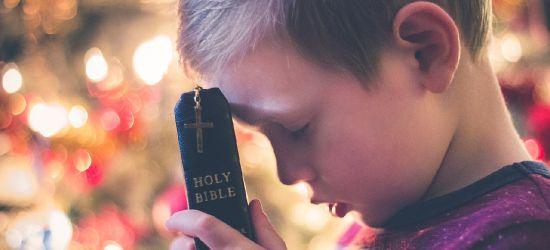 Burmistrz Ustrzyk Dolnych chce okrojenia lekcji religii w szkołach? Samorząd szuka oszczędności