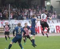 Kuriozalny gol w doliczonym czasie gry rozstrzyga derby Rzeszowa! Resovia pokonuje Stal 2:1 (SKRÓT VIDEO, ZDJĘCIA)