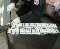 Ukrył 52 kartony papierosów w filtrze powietrza (ZDJĘCIA)